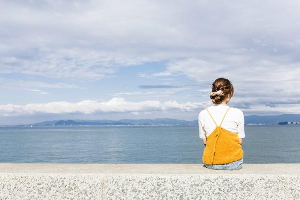 リゾートバイトで女性が働くに当たって注意すべきポイントとは?